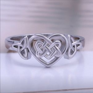 Sterling silver Celtic heart ♥️ ring